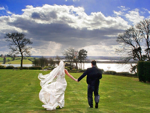 Wedding next to the Shannon